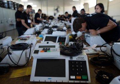 Hackers podem mudar o resultado das eleições? Entenda a segurança na apuração dos votos