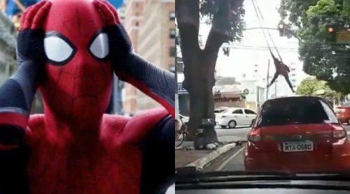 Homem-Aranha de Belém para trânsito com acrobacias de cinema; veja vídeo